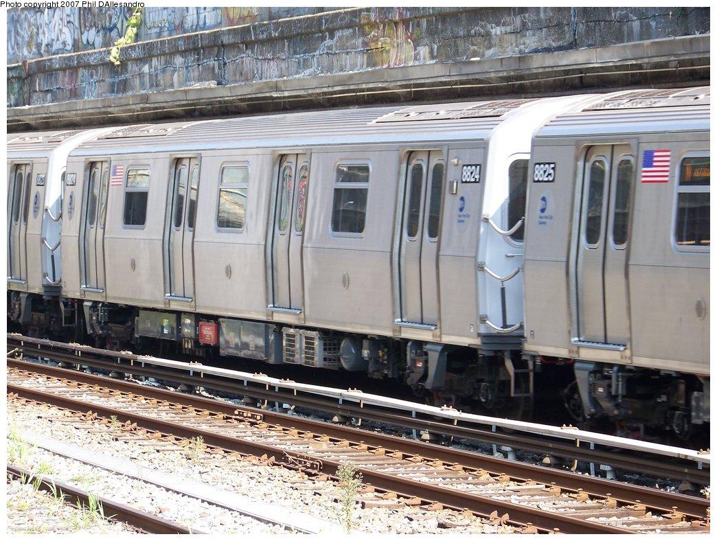 (236k, 1044x788)<br><b>Country:</b> United States<br><b>City:</b> New York<br><b>System:</b> New York City Transit<br><b>Line:</b> BMT Sea Beach Line<br><b>Location:</b> Bay Parkway (22nd Avenue) <br><b>Route:</b> N<br><b>Car:</b> R-160B (Kawasaki, 2005-2008)  8824 <br><b>Photo by:</b> Philip D'Allesandro<br><b>Date:</b> 10/6/2007<br><b>Viewed (this week/total):</b> 0 / 1889