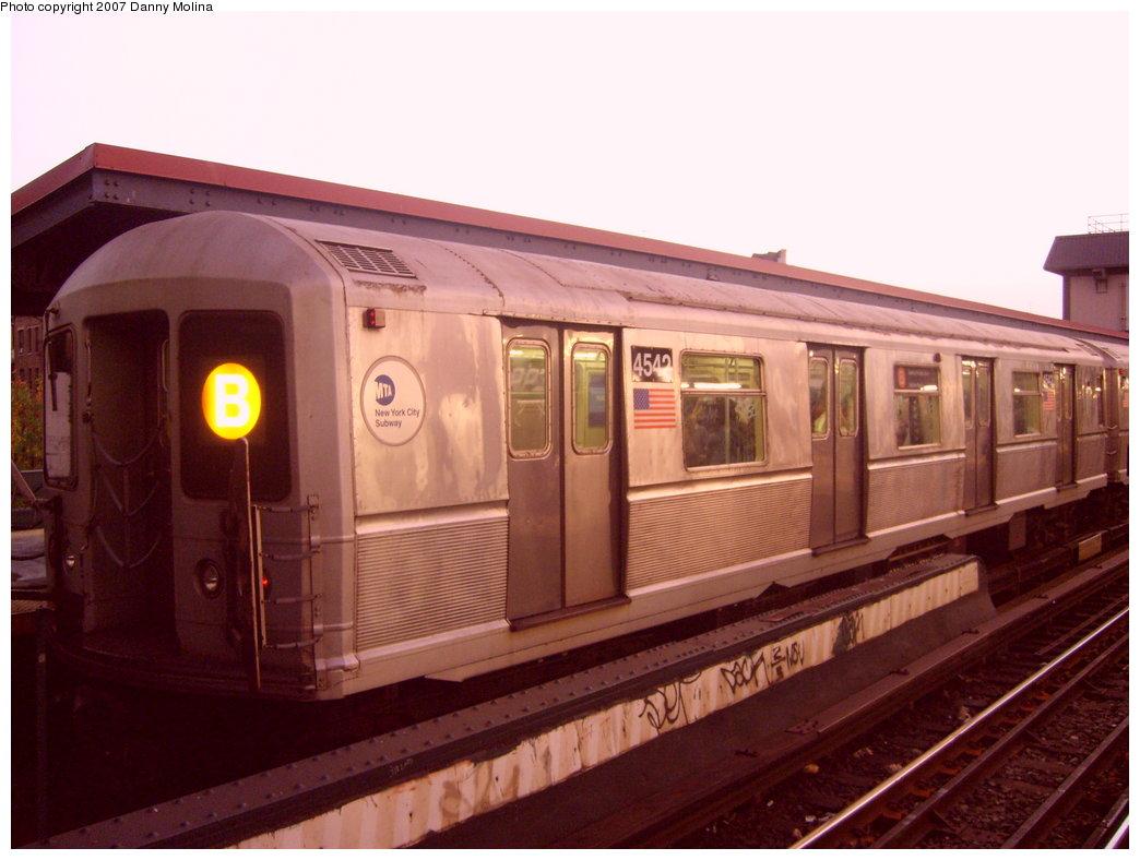 (179k, 1044x788)<br><b>Country:</b> United States<br><b>City:</b> New York<br><b>System:</b> New York City Transit<br><b>Line:</b> BMT Brighton Line<br><b>Location:</b> Brighton Beach <br><b>Route:</b> B<br><b>Car:</b> R-40M (St. Louis, 1969)  4542 <br><b>Photo by:</b> Danny Molina<br><b>Date:</b> 10/8/2007<br><b>Viewed (this week/total):</b> 2 / 1801