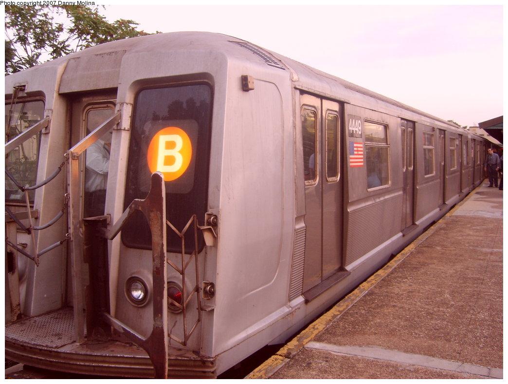 (200k, 1044x788)<br><b>Country:</b> United States<br><b>City:</b> New York<br><b>System:</b> New York City Transit<br><b>Line:</b> BMT Brighton Line<br><b>Location:</b> Kings Highway <br><b>Route:</b> B<br><b>Car:</b> R-40 (St. Louis, 1968)  4449 <br><b>Photo by:</b> Danny Molina<br><b>Date:</b> 10/8/2007<br><b>Viewed (this week/total):</b> 0 / 1706