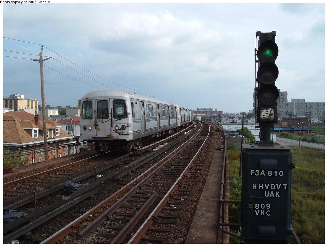 (170k, 1044x788)<br><b>Country:</b> United States<br><b>City:</b> New York<br><b>System:</b> New York City Transit<br><b>Line:</b> IND Rockaway<br><b>Location:</b> Beach 67th Street/Gaston Avenue <br><b>Route:</b> S<br><b>Car:</b> R-44 (St. Louis, 1971-73)  <br><b>Photo by:</b> Chris M.<br><b>Date:</b> 10/7/2007<br><b>Viewed (this week/total):</b> 0 / 1681