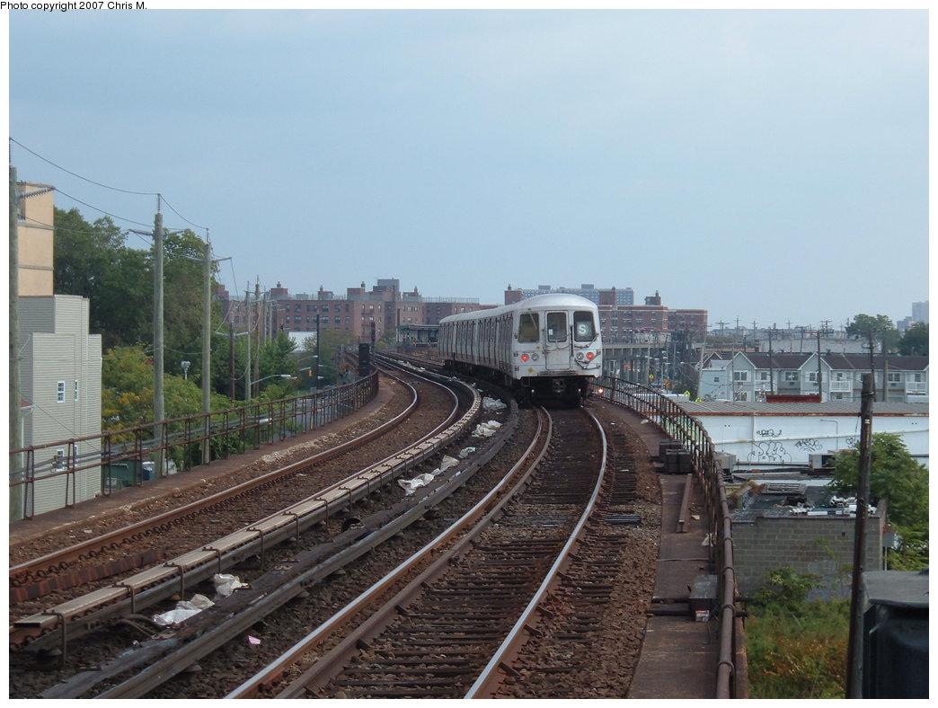 (172k, 1044x788)<br><b>Country:</b> United States<br><b>City:</b> New York<br><b>System:</b> New York City Transit<br><b>Line:</b> IND Rockaway<br><b>Location:</b> Beach 67th Street/Gaston Avenue <br><b>Route:</b> S<br><b>Car:</b> R-44 (St. Louis, 1971-73)  <br><b>Photo by:</b> Chris M.<br><b>Date:</b> 10/7/2007<br><b>Viewed (this week/total):</b> 3 / 1712