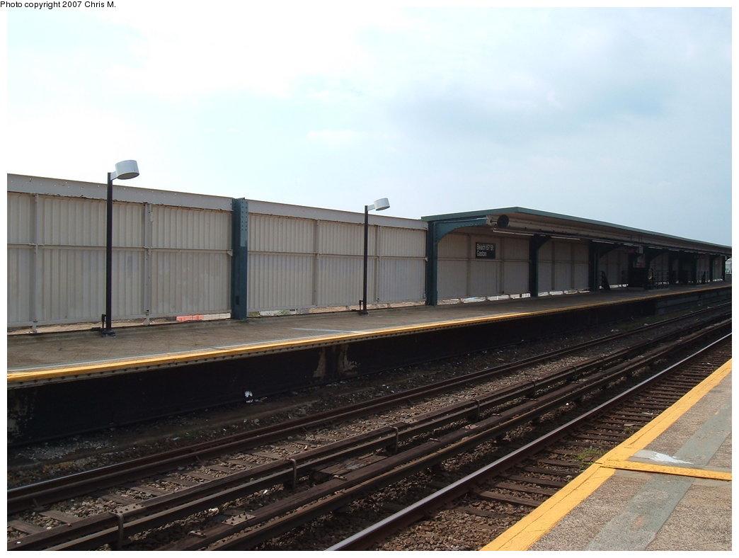 (149k, 1044x788)<br><b>Country:</b> United States<br><b>City:</b> New York<br><b>System:</b> New York City Transit<br><b>Line:</b> IND Rockaway<br><b>Location:</b> Beach 67th Street/Gaston Avenue <br><b>Photo by:</b> Chris M.<br><b>Date:</b> 10/7/2007<br><b>Notes:</b> Station view.<br><b>Viewed (this week/total):</b> 0 / 1090