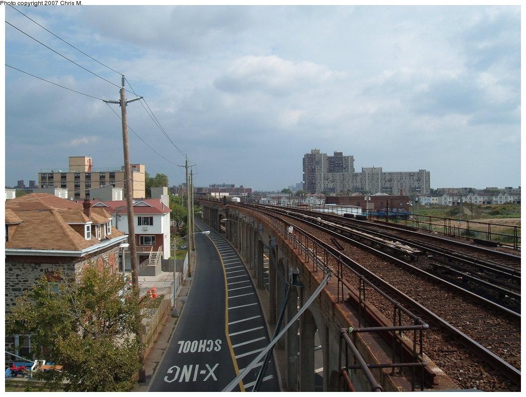 (189k, 1044x788)<br><b>Country:</b> United States<br><b>City:</b> New York<br><b>System:</b> New York City Transit<br><b>Line:</b> IND Rockaway<br><b>Location:</b> Beach 67th Street/Gaston Avenue <br><b>Photo by:</b> Chris M.<br><b>Date:</b> 10/7/2007<br><b>Notes:</b> View of el at Beach 67th.<br><b>Viewed (this week/total):</b> 0 / 1650