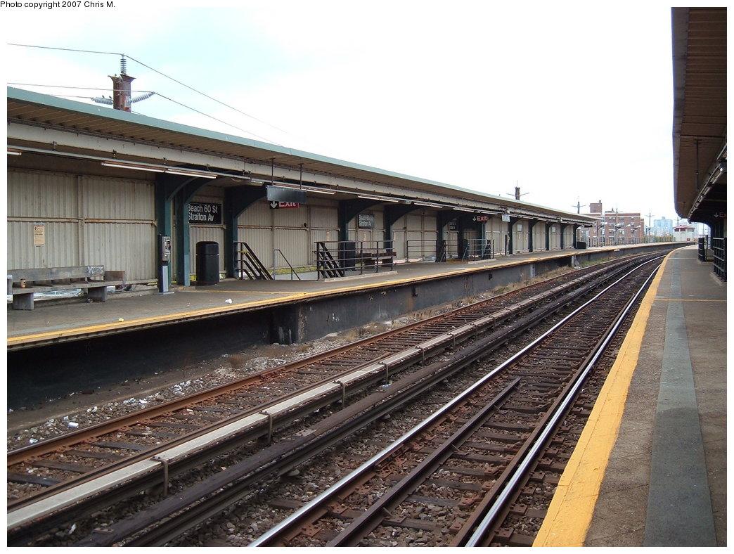 (209k, 1044x788)<br><b>Country:</b> United States<br><b>City:</b> New York<br><b>System:</b> New York City Transit<br><b>Line:</b> IND Rockaway<br><b>Location:</b> Beach 60th Street/Straiton <br><b>Photo by:</b> Chris M.<br><b>Date:</b> 10/7/2007<br><b>Notes:</b> Station view.<br><b>Viewed (this week/total):</b> 0 / 1154