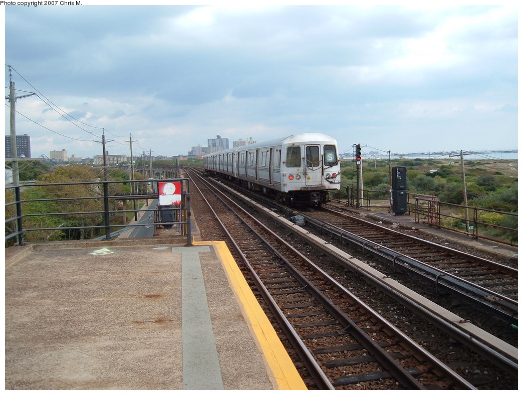 (205k, 1044x788)<br><b>Country:</b> United States<br><b>City:</b> New York<br><b>System:</b> New York City Transit<br><b>Line:</b> IND Rockaway<br><b>Location:</b> Beach 44th Street/Frank Avenue <br><b>Route:</b> S<br><b>Car:</b> R-44 (St. Louis, 1971-73)  <br><b>Photo by:</b> Chris M.<br><b>Date:</b> 10/7/2007<br><b>Viewed (this week/total):</b> 1 / 1612