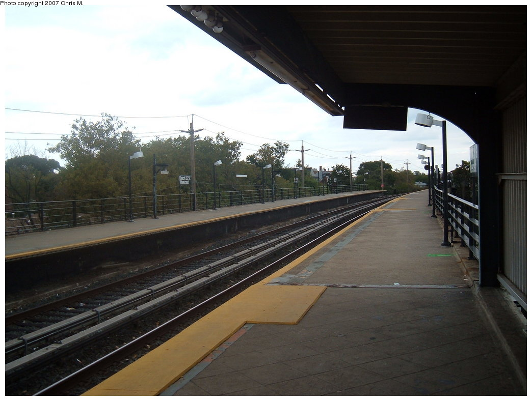 (154k, 1044x788)<br><b>Country:</b> United States<br><b>City:</b> New York<br><b>System:</b> New York City Transit<br><b>Line:</b> IND Rockaway<br><b>Location:</b> Beach 25th Street/Wavecrest <br><b>Photo by:</b> Chris M.<br><b>Date:</b> 10/7/2007<br><b>Notes:</b> Station view.<br><b>Viewed (this week/total):</b> 0 / 1103