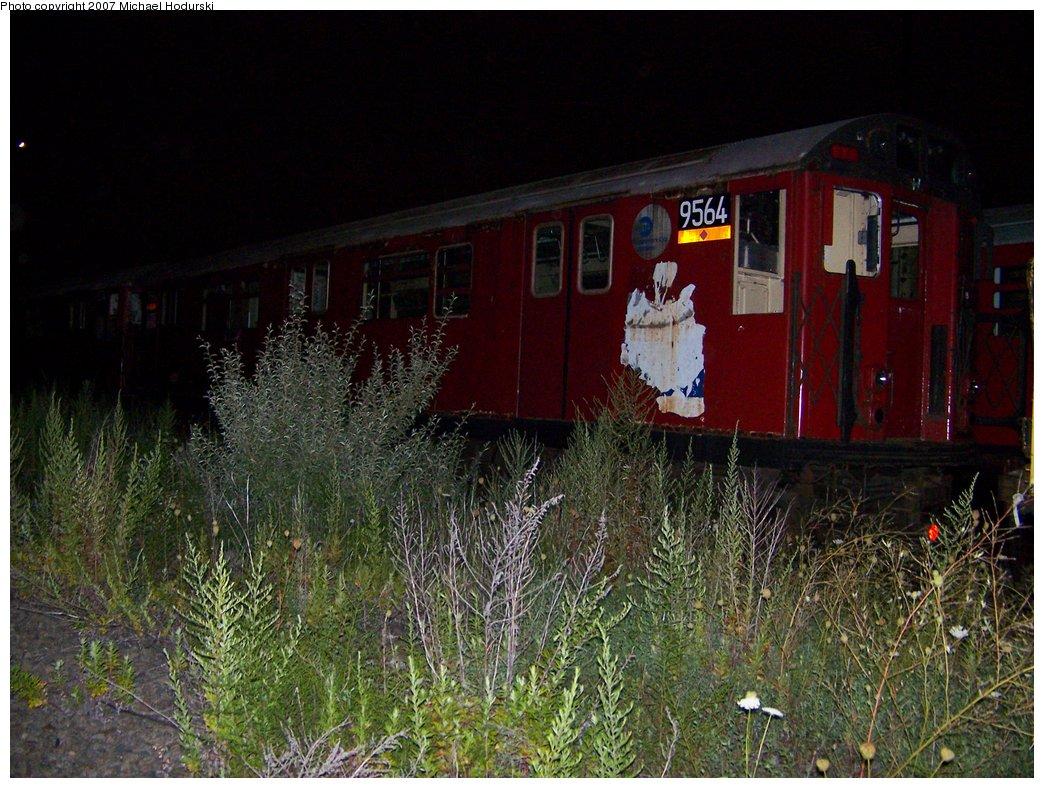 (215k, 1044x788)<br><b>Country:</b> United States<br><b>City:</b> New York<br><b>System:</b> New York City Transit<br><b>Line:</b> South Brooklyn Railway<br><b>Location:</b> SBK Yard (2nd Ave at 38th St.) (SBK)<br><b>Car:</b> R-36 World's Fair (St. Louis, 1963-64) 9564 <br><b>Photo by:</b> Michael Hodurski<br><b>Date:</b> 8/14/2007<br><b>Viewed (this week/total):</b> 0 / 2770