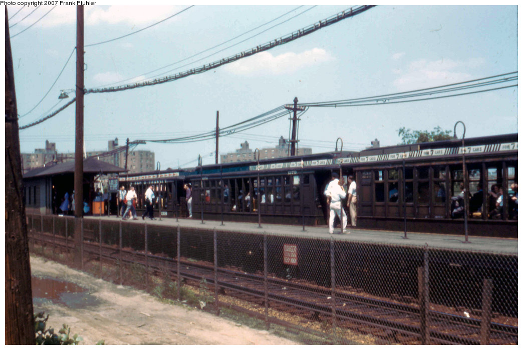 (196k, 1044x700)<br><b>Country:</b> United States<br><b>City:</b> New York<br><b>System:</b> New York City Transit<br><b>Line:</b> BMT Canarsie Line<br><b>Location:</b> East 105th Street <br><b>Route:</b> Fan Trip<br><b>Car:</b> BMT Elevated Gate Car 1316 <br><b>Photo by:</b> Frank Pfuhler<br><b>Date:</b> 3/20/1955<br><b>Viewed (this week/total):</b> 0 / 2636