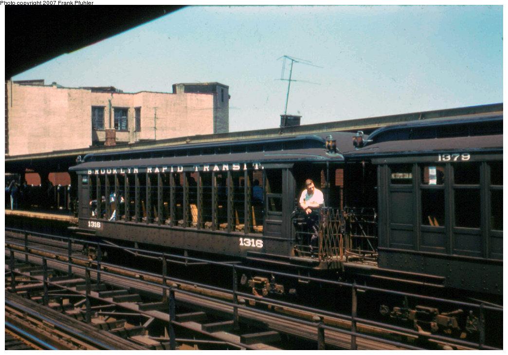 (208k, 1044x731)<br><b>Country:</b> United States<br><b>City:</b> New York<br><b>System:</b> New York City Transit<br><b>Line:</b> BMT Myrtle Avenue Line<br><b>Location:</b> Knickerbocker Avenue <br><b>Route:</b> Fan Trip<br><b>Car:</b> BMT Elevated Gate Car 1316 <br><b>Photo by:</b> Frank Pfuhler<br><b>Date:</b> 6/29/1958<br><b>Notes:</b> Farewell to the Gate Cars fantrip<br><b>Viewed (this week/total):</b> 2 / 2220