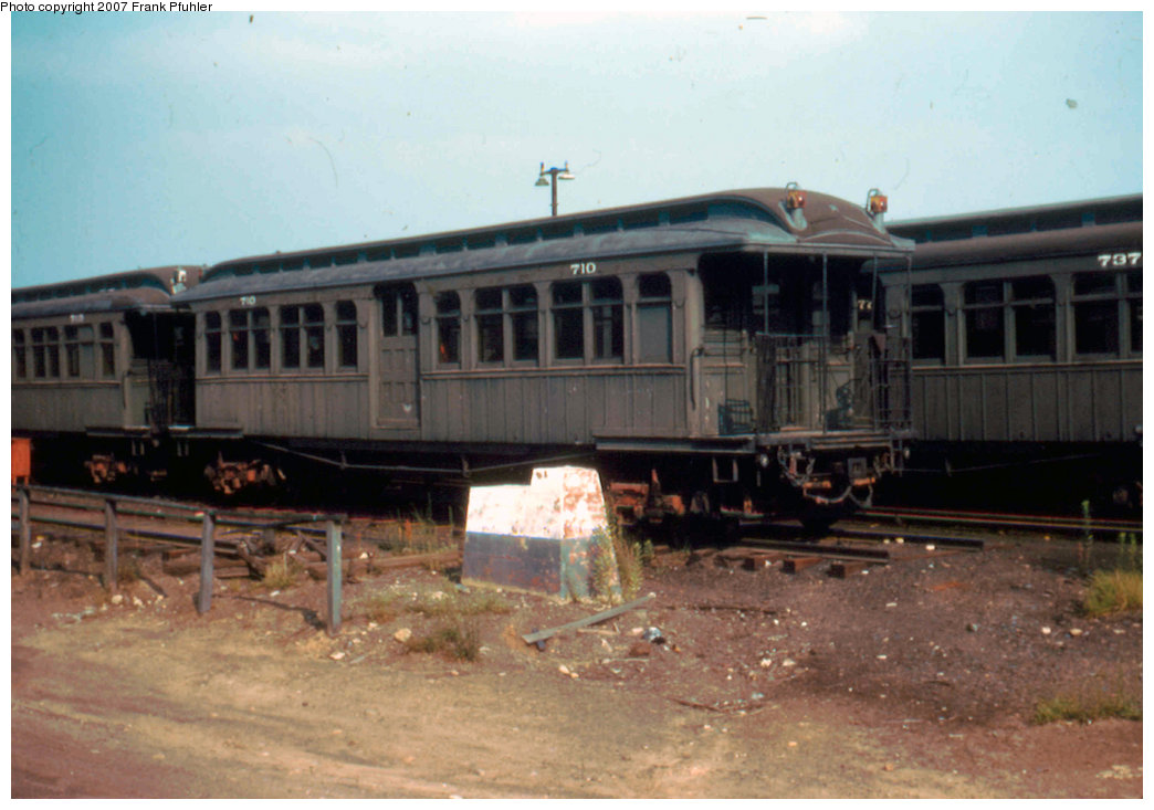 (170k, 1044x733)<br><b>Country:</b> United States<br><b>City:</b> New York<br><b>System:</b> New York City Transit<br><b>Location:</b> Fresh Pond Yard<br><b>Car:</b> BMT Elevated Gate Car 710 <br><b>Photo by:</b> Frank Pfuhler<br><b>Date:</b> 6/26/1955<br><b>Viewed (this week/total):</b> 1 / 1835