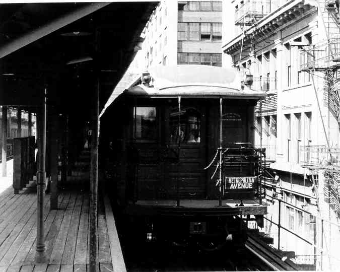 (34k, 675x540)<br><b>Country:</b> United States<br><b>City:</b> New York<br><b>System:</b> New York City Transit<br><b>Line:</b> BMT Myrtle Avenue Line<br><b>Location:</b> Bridge/Jay Street <br><b>Car:</b> BMT Elevated Gate Car  <br><b>Photo by:</b> Frank Pfuhler<br><b>Date:</b> 9/13/1954<br><b>Viewed (this week/total):</b> 2 / 3328