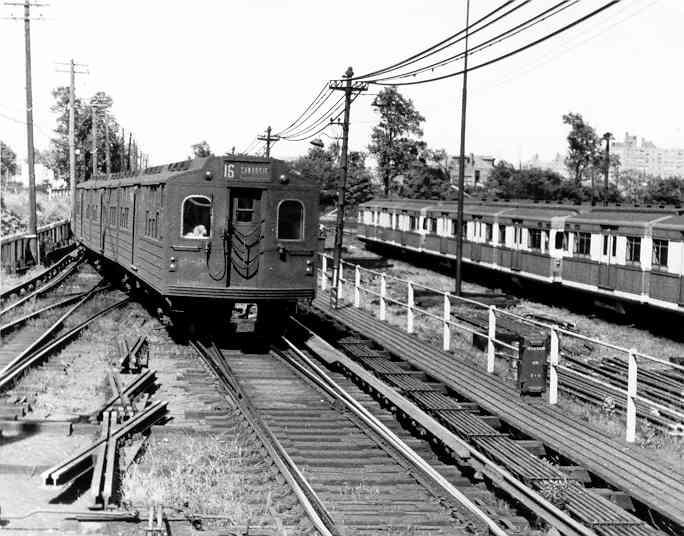 (46k, 684x536)<br><b>Country:</b> United States<br><b>City:</b> New York<br><b>System:</b> New York City Transit<br><b>Line:</b> BMT Canarsie Line<br><b>Location:</b> Rockaway Parkway <br><b>Car:</b> BMT Multi  <br><b>Photo by:</b> Frank Pfuhler<br><b>Date:</b> 9/13/1954<br><b>Viewed (this week/total):</b> 1 / 3117