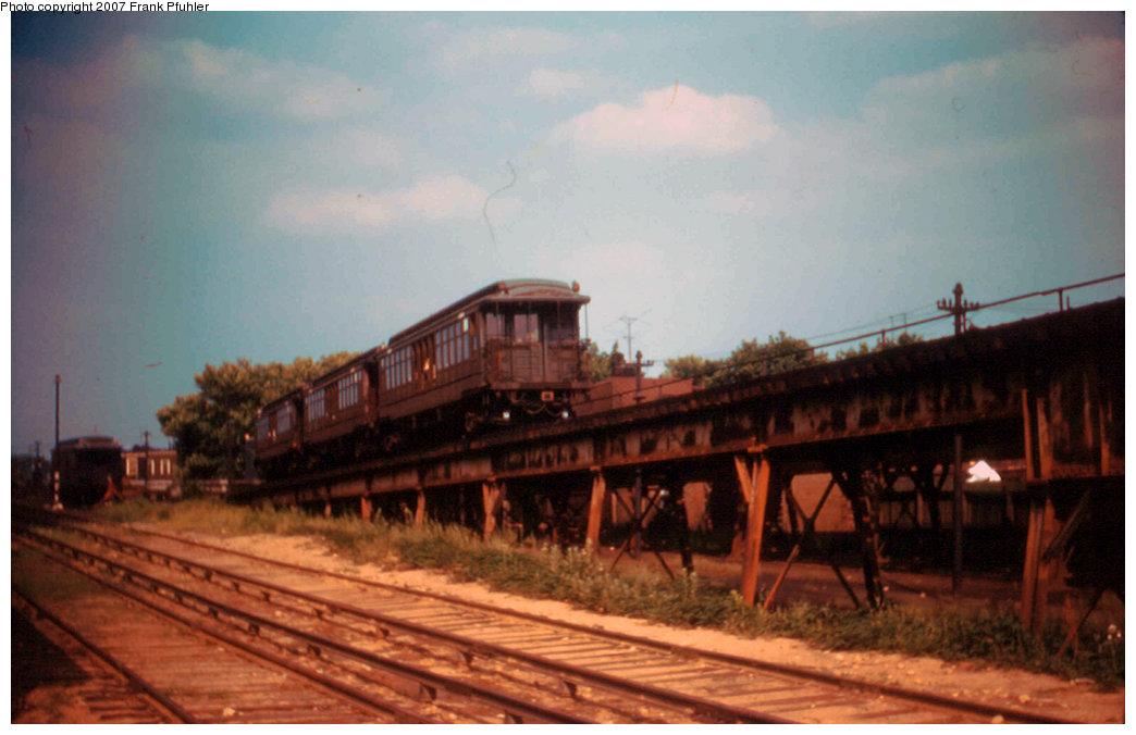 (171k, 1044x676)<br><b>Country:</b> United States<br><b>City:</b> New York<br><b>System:</b> New York City Transit<br><b>Line:</b> BMT Myrtle Avenue Line<br><b>Location:</b> Fresh Pond Road <br><b>Car:</b> BMT Elevated Gate Car  <br><b>Photo by:</b> Frank Pfuhler<br><b>Date:</b> 6/26/1955<br><b>Viewed (this week/total):</b> 2 / 3124