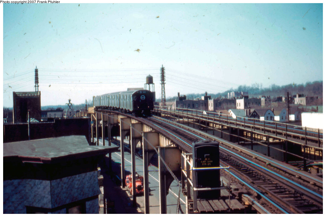 (182k, 1044x695)<br><b>Country:</b> United States<br><b>City:</b> New York<br><b>System:</b> New York City Transit<br><b>Line:</b> BMT Nassau Street/Jamaica Line<br><b>Location:</b> 102nd-104th Streets <br><b>Car:</b> R-16 (American Car & Foundry, 1955)  <br><b>Photo by:</b> Frank Pfuhler<br><b>Date:</b> 3/20/1955<br><b>Viewed (this week/total):</b> 0 / 3359