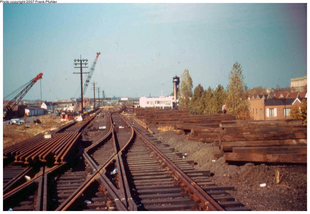 (198k, 1044x721)<br><b>Country:</b> United States<br><b>City:</b> New York<br><b>System:</b> New York City Transit<br><b>Line:</b> IND Rockaway<br><b>Location:</b> Aqueduct/North Conduit Avenue <br><b>Photo by:</b> Frank Pfuhler<br><b>Date:</b> 11/12/1955<br><b>Notes:</b> North of Aqueduct station, south of junction to Rockaway Blvd.<br><b>Viewed (this week/total):</b> 1 / 5291