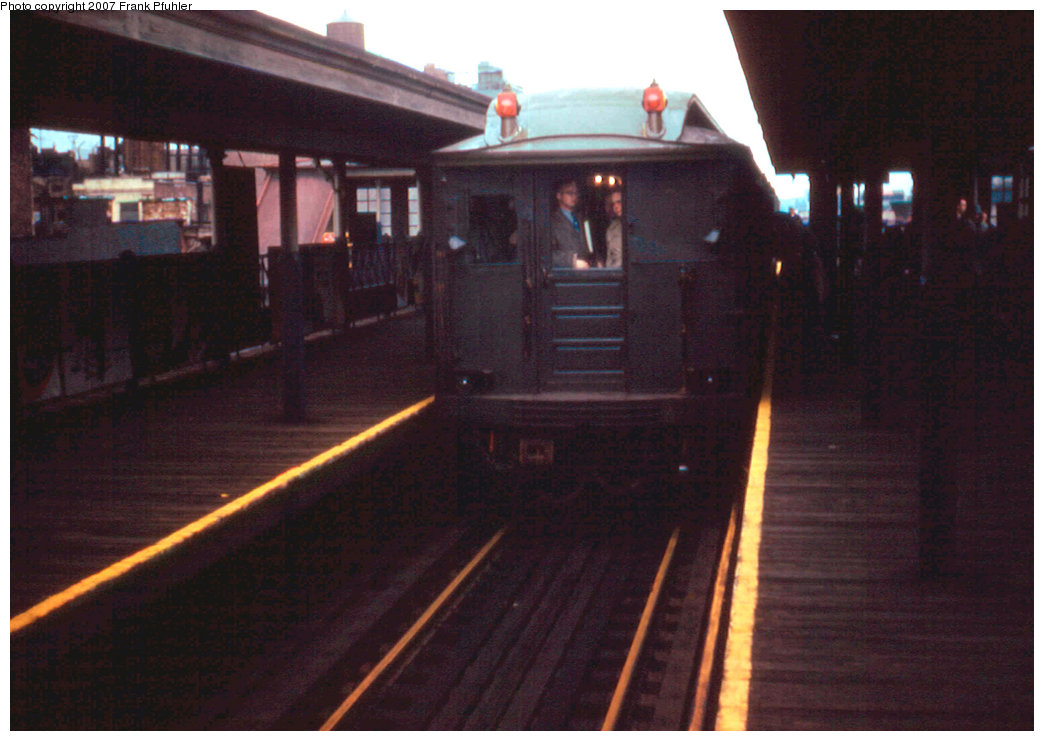 (185k, 1044x741)<br><b>Country:</b> United States<br><b>City:</b> New York<br><b>System:</b> New York City Transit<br><b>Line:</b> 3rd Avenue El<br><b>Location:</b> 125th Street<br><b>Route:</b> Fan Trip<br><b>Car:</b> BMT Q  <br><b>Photo by:</b> Frank Pfuhler<br><b>Date:</b> 3/27/1955<br><b>Notes:</b> Southbound express.<br><b>Viewed (this week/total):</b> 3 / 3257