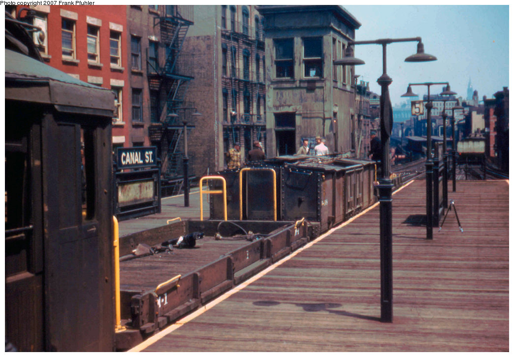 (206k, 1044x725)<br><b>Country:</b> United States<br><b>City:</b> New York<br><b>System:</b> New York City Transit<br><b>Line:</b> 3rd Avenue El<br><b>Location:</b> Canal Street <br><b>Car:</b> MUDC  <br><b>Photo by:</b> Frank Pfuhler<br><b>Date:</b> 5/10/1955<br><b>Notes:</b> Work train.<br><b>Viewed (this week/total):</b> 1 / 3378