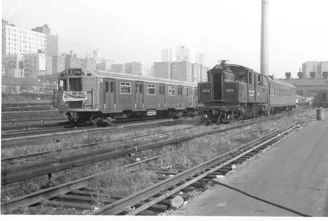 (67k, 675x456)<br><b>Country:</b> United States<br><b>System:</b> New York City Transit<br><b>Location:</b> Mott Haven Yard <br><b>Car:</b> R-32 (Budd, 1964)  3352 <br><b>Collection of:</b> Frank Pfuhler<br><b>Date:</b> 9/9/1964<br><b>Notes:</b> Introduction of the Brightliners.<br><b>Viewed (this week/total):</b> 5 / 2302
