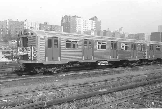 (27k, 675x456)<br><b>Country:</b> United States<br><b>System:</b> New York City Transit<br><b>Location:</b> Mott Haven Yard <br><b>Car:</b> R-32 (Budd, 1964)  3352 <br><b>Collection of:</b> Frank Pfuhler<br><b>Date:</b> 9/9/1964<br><b>Notes:</b> Introduction of the Brightliners.<br><b>Viewed (this week/total):</b> 0 / 2090