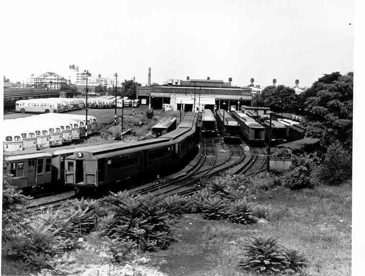 (40k, 713x540)<br><b>Country:</b> United States<br><b>City:</b> New York<br><b>System:</b> New York City Transit<br><b>Location:</b> 36th Street Yard<br><b>Car:</b> BMT-SIRT 500 <br><b>Photo by:</b> Frank Pfuhler<br><b>Date:</b> 10/24/1954<br><b>Viewed (this week/total):</b> 1 / 2743