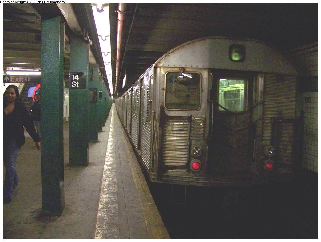 (188k, 1044x788)<br><b>Country:</b> United States<br><b>City:</b> New York<br><b>System:</b> New York City Transit<br><b>Line:</b> IND 6th Avenue Line<br><b>Location:</b> 14th Street <br><b>Route:</b> E<br><b>Car:</b> R-32 (Budd, 1964)  3502 <br><b>Photo by:</b> Philip D'Allesandro<br><b>Date:</b> 10/13/2007<br><b>Viewed (this week/total):</b> 2 / 2365