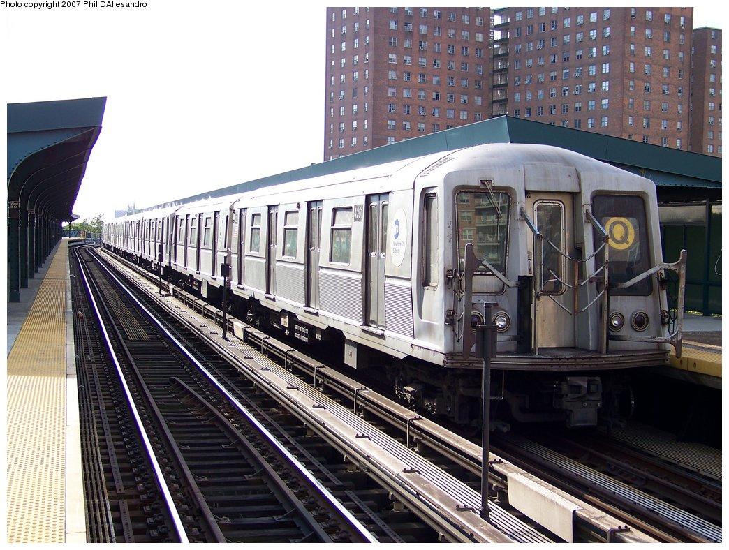 (226k, 1044x788)<br><b>Country:</b> United States<br><b>City:</b> New York<br><b>System:</b> New York City Transit<br><b>Line:</b> BMT Brighton Line<br><b>Location:</b> West 8th Street <br><b>Route:</b> Q<br><b>Car:</b> R-40 (St. Louis, 1968)  4261 <br><b>Photo by:</b> Philip D'Allesandro<br><b>Date:</b> 10/13/2007<br><b>Viewed (this week/total):</b> 1 / 2069