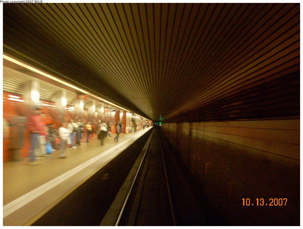 (203k, 1044x788)<br><b>Country:</b> United States<br><b>City:</b> New York<br><b>System:</b> New York City Transit<br><b>Line:</b> IND 63rd Street<br><b>Location:</b> Lexington Avenue-63rd Street <br><b>Photo by:</b> Bill E.<br><b>Date:</b> 10/13/2007<br><b>Viewed (this week/total):</b> 0 / 2536
