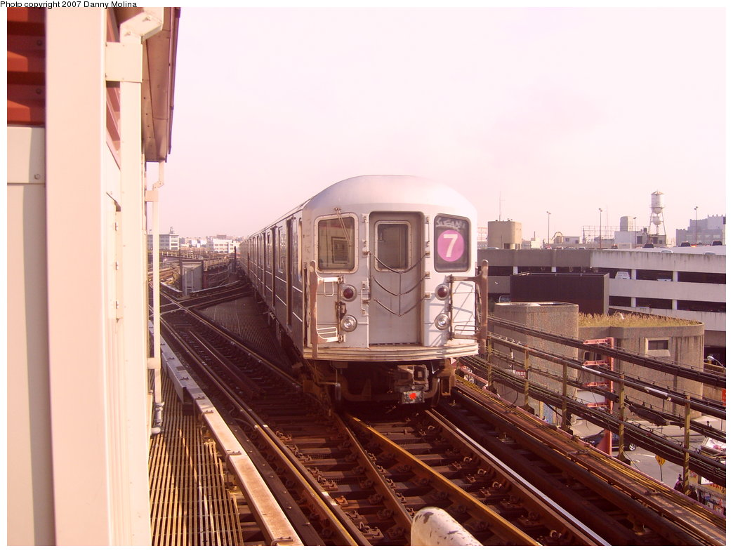 (196k, 1044x788)<br><b>Country:</b> United States<br><b>City:</b> New York<br><b>System:</b> New York City Transit<br><b>Line:</b> IRT Flushing Line<br><b>Location:</b> Queensborough Plaza <br><b>Route:</b> 7<br><b>Car:</b> R-62A (Bombardier, 1984-1987)   <br><b>Photo by:</b> Danny Molina<br><b>Date:</b> 10/10/2007<br><b>Viewed (this week/total):</b> 1 / 1674