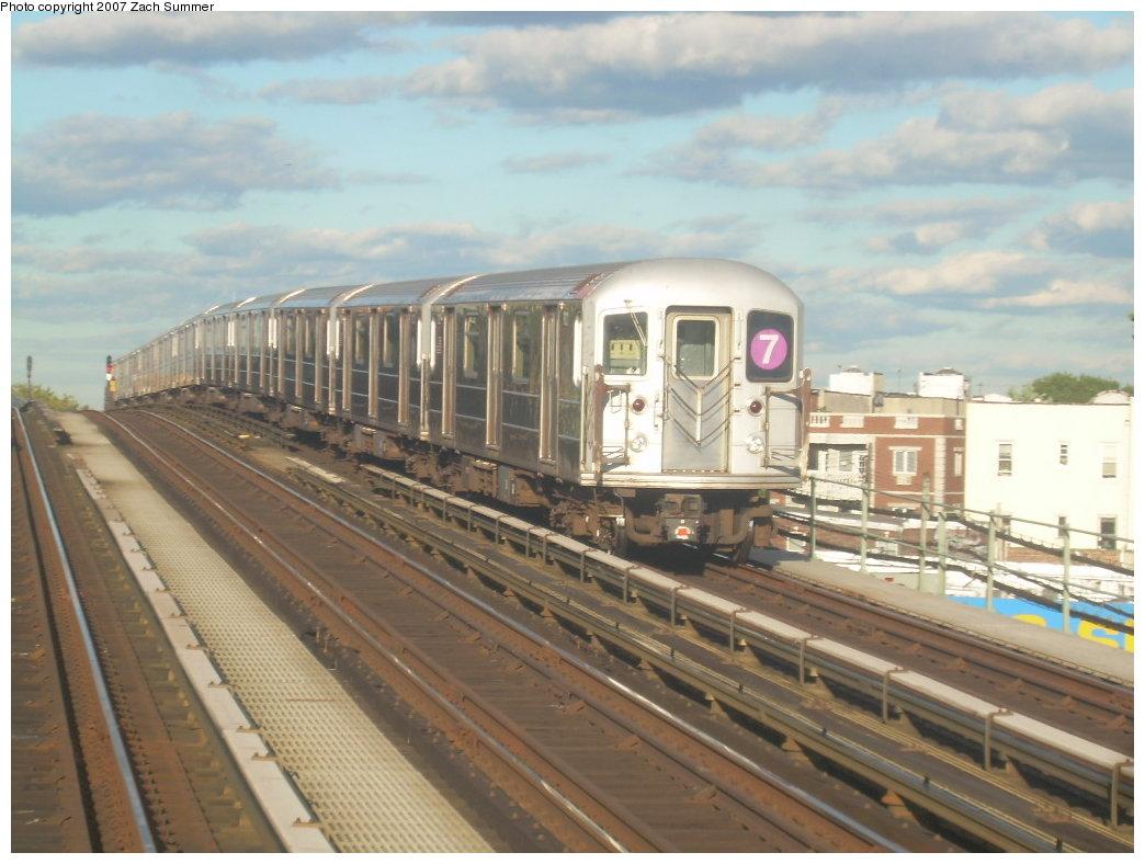 (189k, 1044x788)<br><b>Country:</b> United States<br><b>City:</b> New York<br><b>System:</b> New York City Transit<br><b>Line:</b> IRT Flushing Line<br><b>Location:</b> 52nd Street/Lincoln Avenue <br><b>Route:</b> 7<br><b>Car:</b> R-62A (Bombardier, 1984-1987)   <br><b>Photo by:</b> Zach Summer<br><b>Date:</b> 9/12/2007<br><b>Viewed (this week/total):</b> 0 / 1443