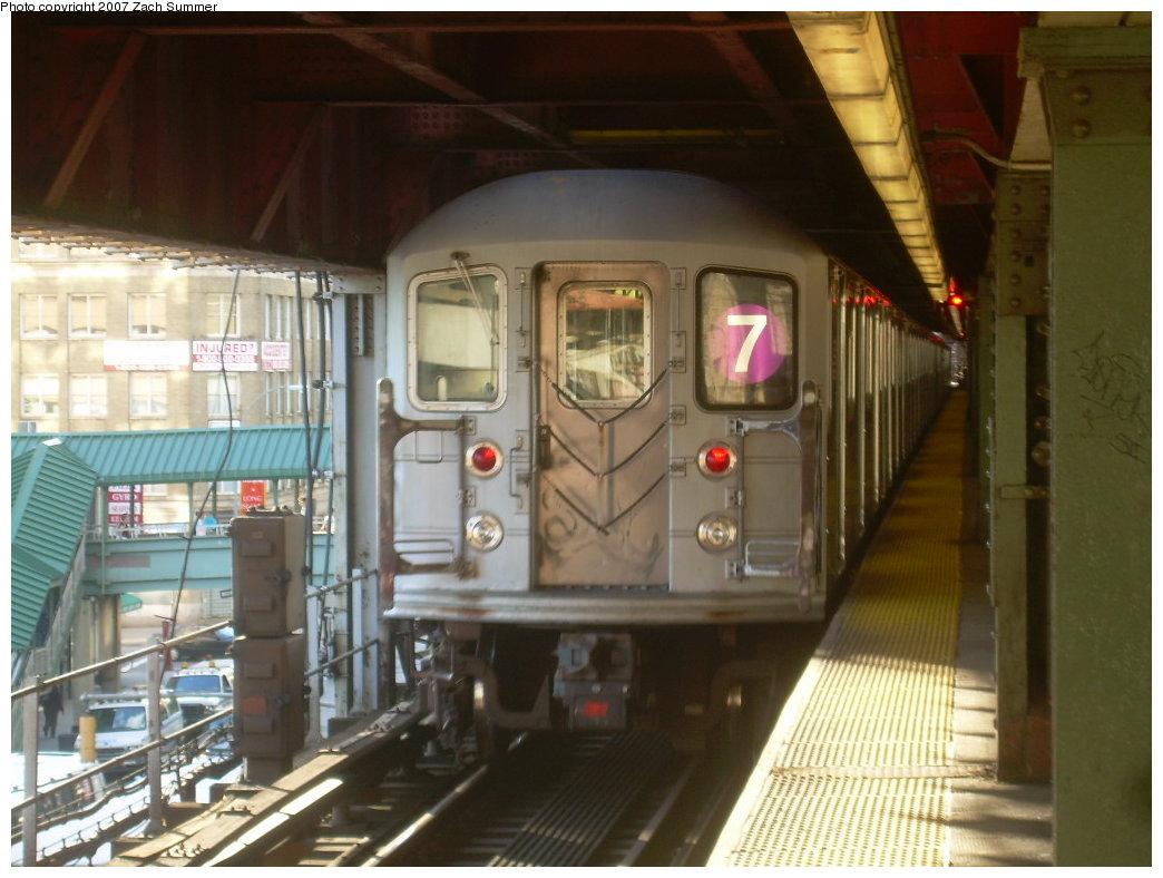 (190k, 1044x788)<br><b>Country:</b> United States<br><b>City:</b> New York<br><b>System:</b> New York City Transit<br><b>Line:</b> IRT Flushing Line<br><b>Location:</b> Queensborough Plaza <br><b>Route:</b> 7<br><b>Car:</b> R-62A (Bombardier, 1984-1987)  2025 <br><b>Photo by:</b> Zach Summer<br><b>Date:</b> 9/12/2007<br><b>Viewed (this week/total):</b> 0 / 1932