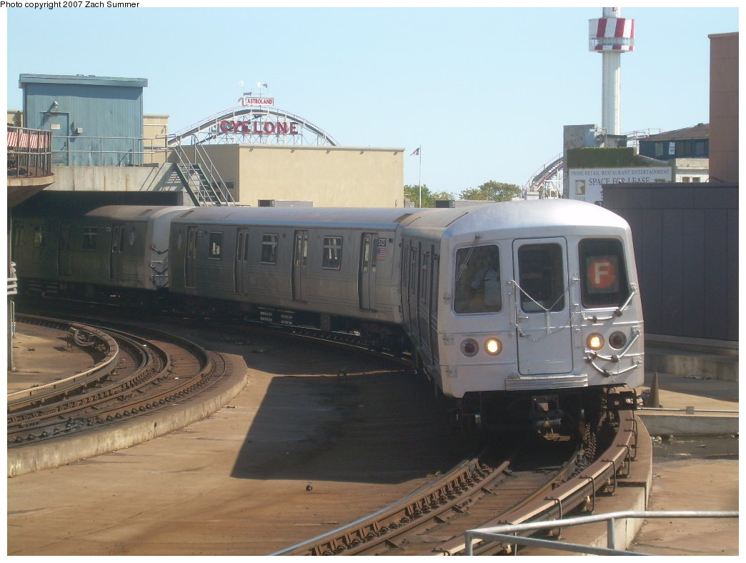 (177k, 1044x788)<br><b>Country:</b> United States<br><b>City:</b> New York<br><b>System:</b> New York City Transit<br><b>Location:</b> Coney Island/Stillwell Avenue<br><b>Route:</b> F<br><b>Car:</b> R-46 (Pullman-Standard, 1974-75) 5726 <br><b>Photo by:</b> Zach Summer<br><b>Date:</b> 9/13/2007<br><b>Viewed (this week/total):</b> 3 / 2259