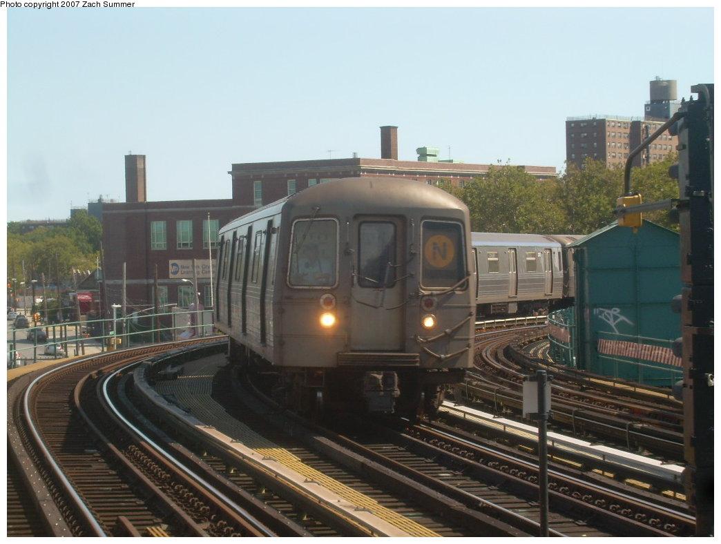 (184k, 1044x788)<br><b>Country:</b> United States<br><b>City:</b> New York<br><b>System:</b> New York City Transit<br><b>Line:</b> BMT West End Line<br><b>Location:</b> 25th Avenue <br><b>Route:</b> N<br><b>Car:</b> R-68 (Westinghouse-Amrail, 1986-1988)  2814 <br><b>Photo by:</b> Zach Summer<br><b>Date:</b> 9/13/2007<br><b>Viewed (this week/total):</b> 1 / 1602