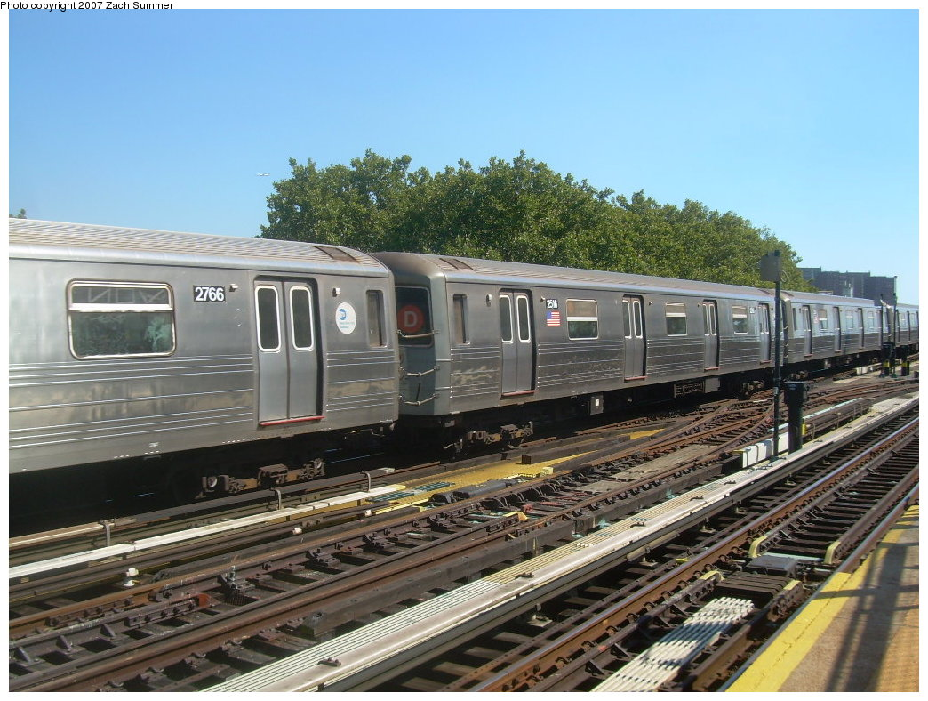 (236k, 1044x788)<br><b>Country:</b> United States<br><b>City:</b> New York<br><b>System:</b> New York City Transit<br><b>Line:</b> BMT West End Line<br><b>Location:</b> Bay 50th Street <br><b>Route:</b> D<br><b>Car:</b> R-68 (Westinghouse-Amrail, 1986-1988)  2766/2516 <br><b>Photo by:</b> Zach Summer<br><b>Date:</b> 9/13/2007<br><b>Viewed (this week/total):</b> 0 / 1991