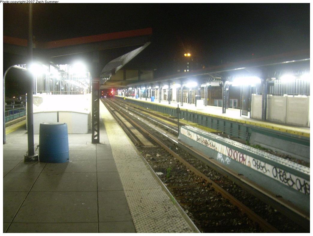 (179k, 1044x788)<br><b>Country:</b> United States<br><b>City:</b> New York<br><b>System:</b> New York City Transit<br><b>Line:</b> BMT Brighton Line<br><b>Location:</b> Brighton Beach <br><b>Photo by:</b> Zach Summer<br><b>Date:</b> 9/13/2007<br><b>Viewed (this week/total):</b> 0 / 1323