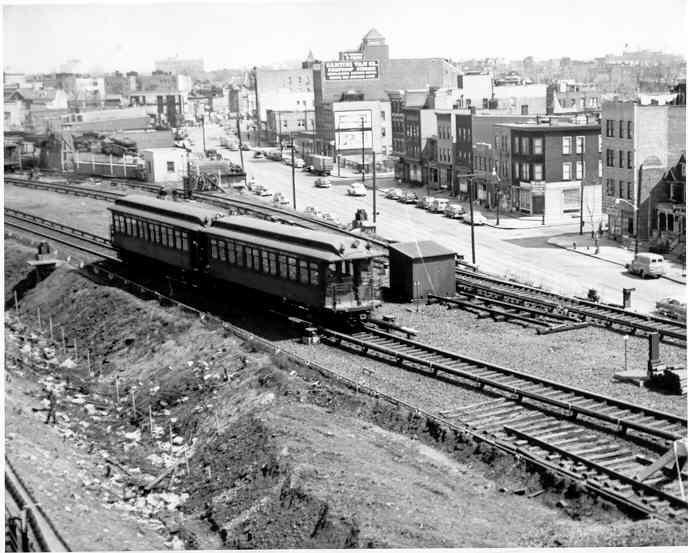 (47k, 688x553)<br><b>Country:</b> United States<br><b>City:</b> New York<br><b>System:</b> New York City Transit<br><b>Line:</b> IRT White Plains Road Line<br><b>Location:</b> East 180th Street <br><b>Car:</b> Manhattan El 1586 <br><b>Photo by:</b> Frank Pfuhler<br><b>Date:</b> 3/21/1954<br><b>Viewed (this week/total):</b> 4 / 2900