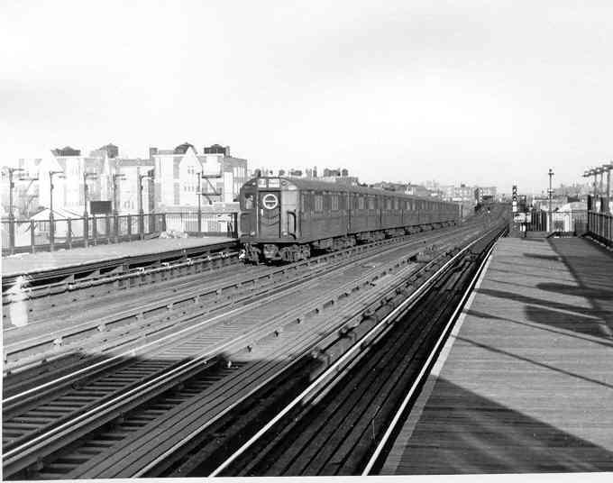 (31k, 680x536)<br><b>Country:</b> United States<br><b>City:</b> New York<br><b>System:</b> New York City Transit<br><b>Line:</b> IRT Flushing Line<br><b>Location:</b> 74th Street/Broadway <br><b>Car:</b> R-15 (American Car & Foundry, 1950) 6217 <br><b>Photo by:</b> Frank Pfuhler<br><b>Date:</b> 2/13/1955<br><b>Viewed (this week/total):</b> 0 / 3009