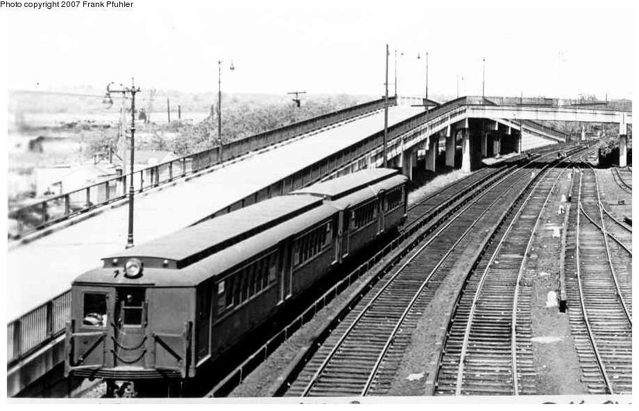 (143k, 921x593)<br><b>Country:</b> United States<br><b>City:</b> New York<br><b>System:</b> New York City Transit<br><b>Line:</b> SIRT<br><b>Location:</b> Tottenville <br><b>Car:</b> SIRT  <br><b>Photo by:</b> Frank Pfuhler<br><b>Date:</b> 5/16/1954<br><b>Viewed (this week/total):</b> 0 / 2679