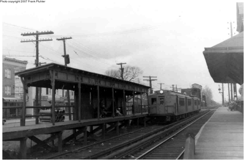 (109k, 1044x689)<br><b>Country:</b> United States<br><b>City:</b> New York<br><b>System:</b> New York City Transit<br><b>Line:</b> SIRT<br><b>Location:</b> New Dorp <br><b>Car:</b> SIRT  <br><b>Photo by:</b> Frank Pfuhler<br><b>Date:</b> 4/16/1965<br><b>Viewed (this week/total):</b> 0 / 2875