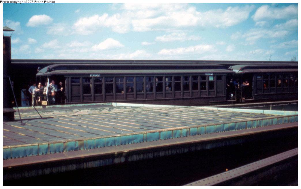 (164k, 1044x657)<br><b>Country:</b> United States<br><b>City:</b> New York<br><b>System:</b> New York City Transit<br><b>Line:</b> BMT Canarsie Line<br><b>Location:</b> Atlantic Avenue <br><b>Route:</b> Fan Trip<br><b>Car:</b> BMT Elevated Gate Car 1382 <br><b>Photo by:</b> Frank Pfuhler<br><b>Date:</b> 4/22/1956<br><b>Viewed (this week/total):</b> 3 / 2226