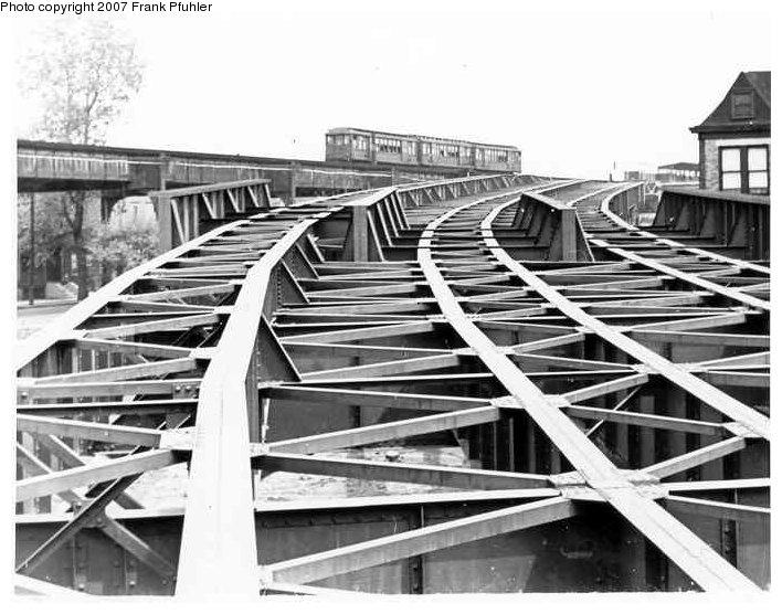 (89k, 708x556)<br><b>Country:</b> United States<br><b>City:</b> New York<br><b>System:</b> New York City Transit<br><b>Line:</b> IND Fulton Street Line<br><b>Location:</b> 80th Street/Hudson Street <br><b>Photo by:</b> Frank Pfuhler<br><b>Date:</b> 5/1/1954<br><b>Notes:</b> Connection from IND subway to BMT Fulton El under construction.<br><b>Viewed (this week/total):</b> 1 / 2861