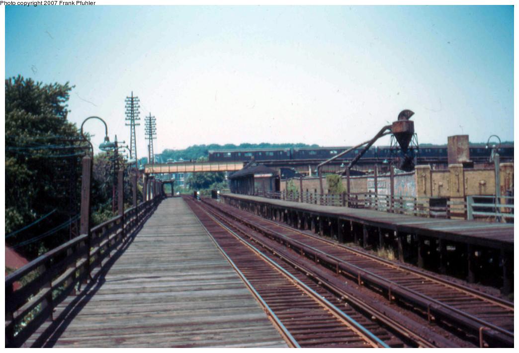 (238k, 1044x710)<br><b>Country:</b> United States<br><b>City:</b> New York<br><b>System:</b> Long Island Rail Road<br><b>Line:</b> LIRR Rockaway<br><b>Location:</b> Brooklyn Manor <br><b>Photo by:</b> Frank Pfuhler<br><b>Date:</b> 6/18/1955<br><b>Viewed (this week/total):</b> 2 / 2765