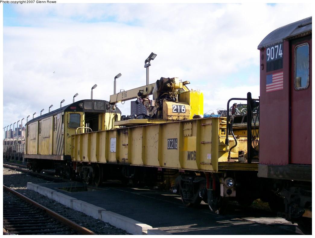 (168k, 1044x788)<br><b>Country:</b> United States<br><b>City:</b> New York<br><b>System:</b> New York City Transit<br><b>Location:</b> 207th Street Yard<br><b>Car:</b> R-20 Telescoping Boom Crane (1957, Magor Car Corp)  216 <br><b>Photo by:</b> Glenn L. Rowe<br><b>Date:</b> 10/12/2007<br><b>Viewed (this week/total):</b> 3 / 1318