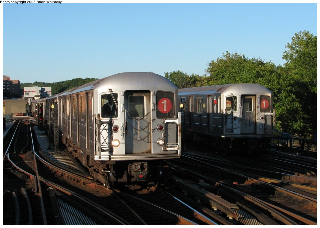 (184k, 1044x745)<br><b>Country:</b> United States<br><b>City:</b> New York<br><b>System:</b> New York City Transit<br><b>Line:</b> IRT West Side Line<br><b>Location:</b> 238th Street <br><b>Route:</b> 1<br><b>Car:</b> R-62A (Bombardier, 1984-1987)  2380/2271 <br><b>Photo by:</b> Brian Weinberg<br><b>Date:</b> 10/12/2007<br><b>Viewed (this week/total):</b> 0 / 2753