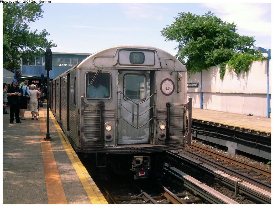 (321k, 1044x788)<br><b>Country:</b> United States<br><b>City:</b> New York<br><b>System:</b> New York City Transit<br><b>Line:</b> IND Rockaway<br><b>Location:</b> Broad Channel <br><b>Route:</b> A<br><b>Car:</b> R-38 (St. Louis, 1966-1967)   <br><b>Photo by:</b> Zach Summer<br><b>Date:</b> 7/22/2007<br><b>Viewed (this week/total):</b> 2 / 1880
