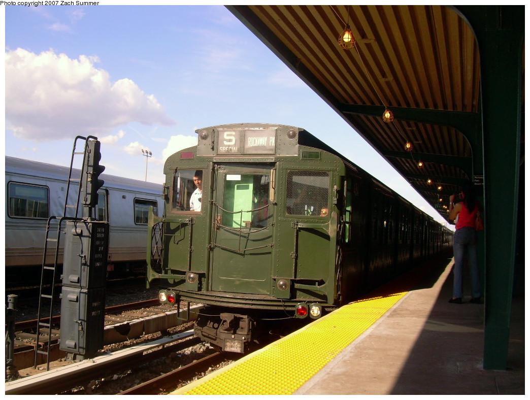 (267k, 1044x788)<br><b>Country:</b> United States<br><b>City:</b> New York<br><b>System:</b> New York City Transit<br><b>Line:</b> IND Rockaway<br><b>Location:</b> Rockaway Park/Beach 116th Street <br><b>Route:</b> Fan Trip<br><b>Car:</b> R-4 (American Car & Foundry, 1932-1933) 484 <br><b>Photo by:</b> Zach Summer<br><b>Date:</b> 7/22/2007<br><b>Viewed (this week/total):</b> 0 / 1612