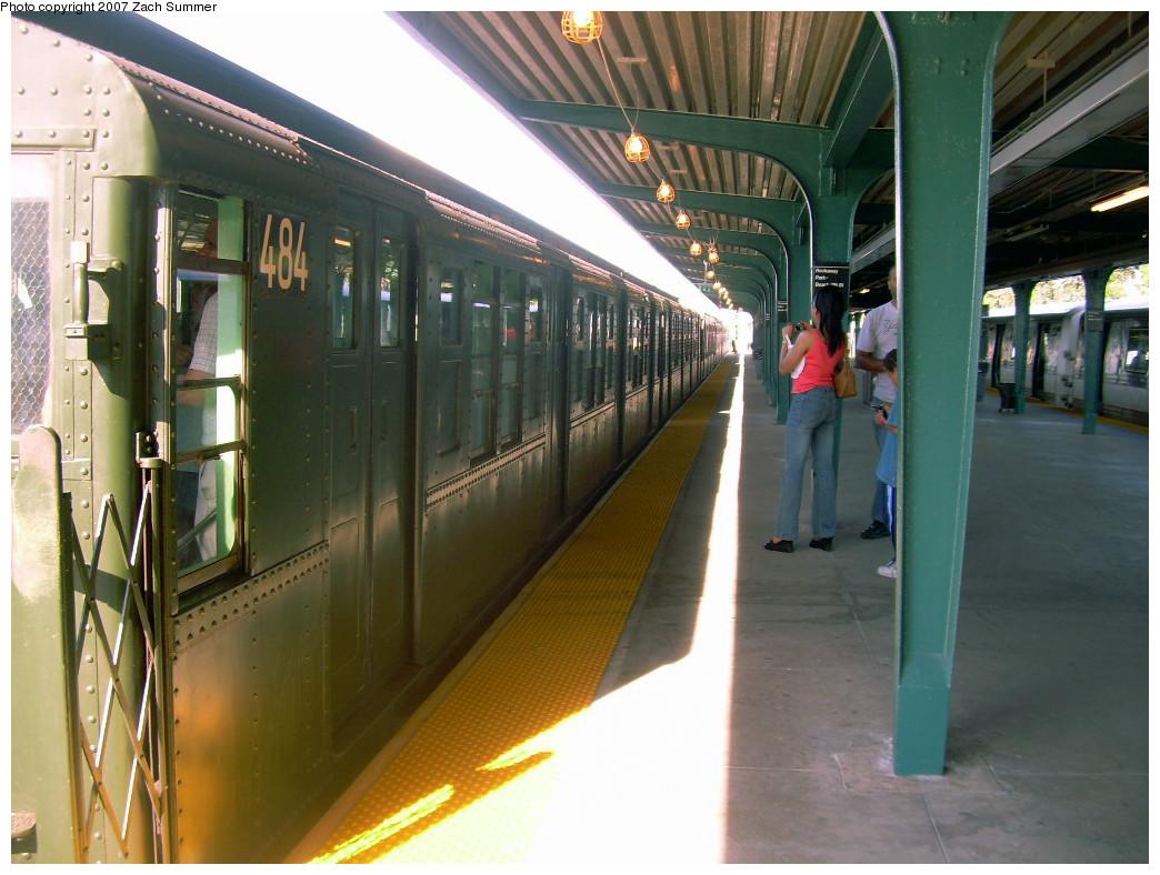 (263k, 1044x788)<br><b>Country:</b> United States<br><b>City:</b> New York<br><b>System:</b> New York City Transit<br><b>Line:</b> IND Rockaway<br><b>Location:</b> Rockaway Park/Beach 116th Street <br><b>Route:</b> Fan Trip<br><b>Car:</b> R-4 (American Car & Foundry, 1932-1933) 484 <br><b>Photo by:</b> Zach Summer<br><b>Date:</b> 7/22/2007<br><b>Viewed (this week/total):</b> 0 / 1380