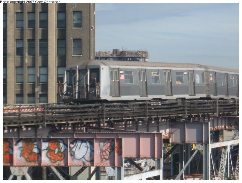 (133k, 820x620)<br><b>Country:</b> United States<br><b>City:</b> New York<br><b>System:</b> New York City Transit<br><b>Line:</b> BMT Astoria Line<br><b>Location:</b> Queensborough Plaza <br><b>Route:</b> W<br><b>Car:</b> R-40 (St. Louis, 1968)  4401 <br><b>Photo by:</b> Gary Chatterton<br><b>Date:</b> 10/15/2007<br><b>Viewed (this week/total):</b> 0 / 2124