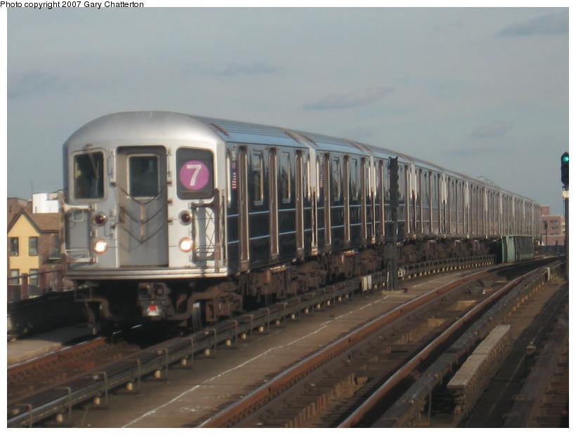(109k, 820x620)<br><b>Country:</b> United States<br><b>City:</b> New York<br><b>System:</b> New York City Transit<br><b>Line:</b> IRT Flushing Line<br><b>Location:</b> 40th Street/Lowery Street <br><b>Route:</b> 7<br><b>Car:</b> R-62A (Bombardier, 1984-1987)  1656 <br><b>Photo by:</b> Gary Chatterton<br><b>Date:</b> 10/15/2007<br><b>Viewed (this week/total):</b> 2 / 1592