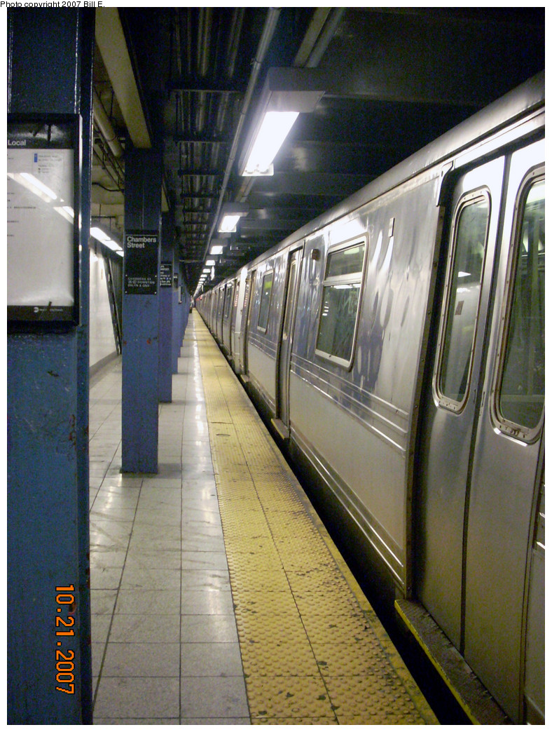 (334k, 788x1044)<br><b>Country:</b> United States<br><b>City:</b> New York<br><b>System:</b> New York City Transit<br><b>Line:</b> IND 8th Avenue Line<br><b>Location:</b> Chambers Street/World Trade Center <br><b>Route:</b> A<br><b>Car:</b> R-44 (St. Louis, 1971-73) 5404 <br><b>Photo by:</b> Bill E.<br><b>Date:</b> 10/21/2007<br><b>Viewed (this week/total):</b> 0 / 1922