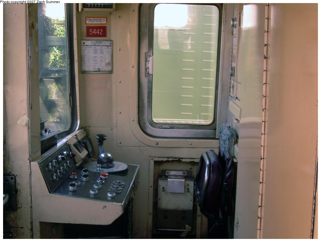 (208k, 1044x788)<br><b>Country:</b> United States<br><b>City:</b> New York<br><b>System:</b> New York City Transit<br><b>Route:</b> A<br><b>Car:</b> R-44 (St. Louis, 1971-73) 5442 <br><b>Photo by:</b> Zach Summer<br><b>Date:</b> 7/22/2007<br><b>Viewed (this week/total):</b> 2 / 2234